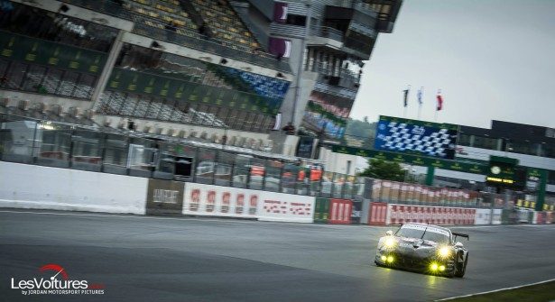 24-Heures-du-Mans-2015-Hours-of-le-test-day-journee-test-911-rsr-ligne-droite