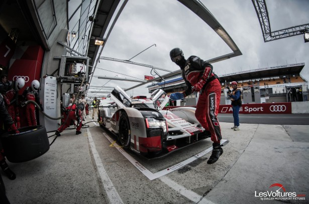 24-Heures-du-Mans-2015-Hours-of-le-test-day-journee-test-R18-etron-stand