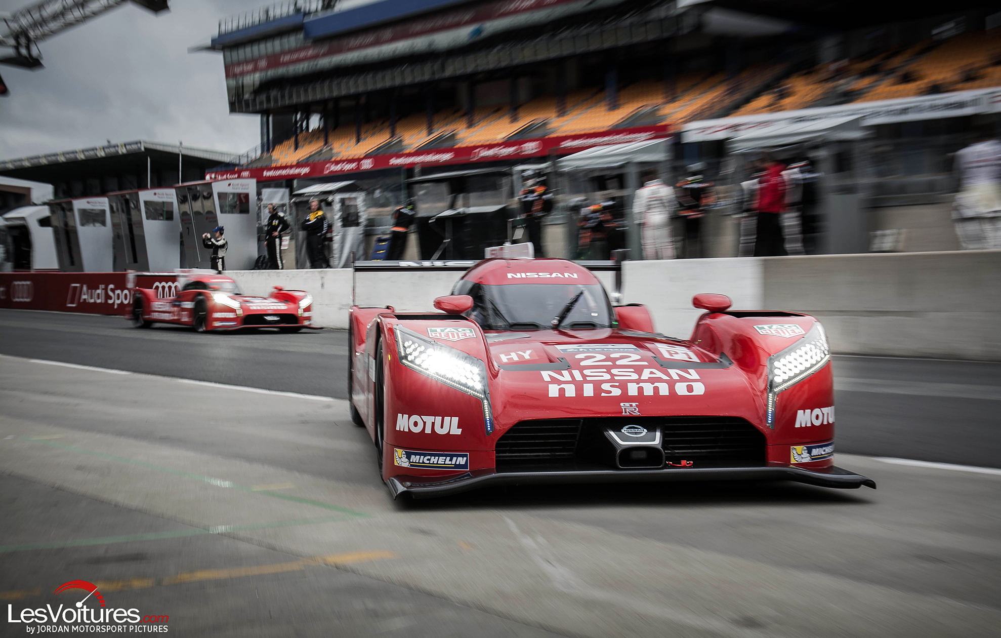 24-Heures-du-Mans-2015-Hours-of-le-test-day-journee-test-nissan-lm-gt-r-nismo-stand