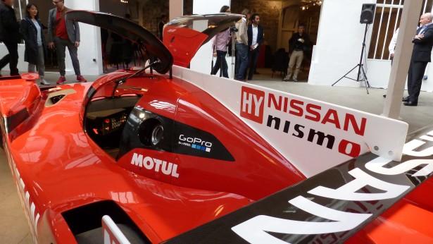 Nissan-Motorsport-lm-gt-r-nismo-lmp1-Le-Mans-2015-13