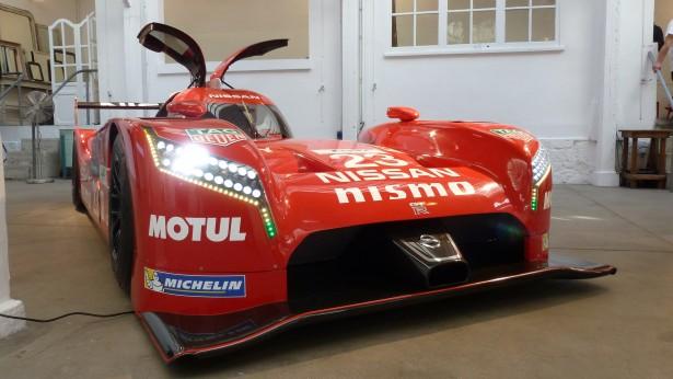 Nissan-Motorsport-lm-gt-r-nismo-lmp1-Le-Mans-2015-14