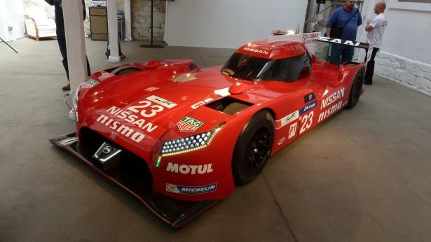 Nissan-Motorsport-lm-gt-r-nismo-lmp1-Le-Mans-2015 -19