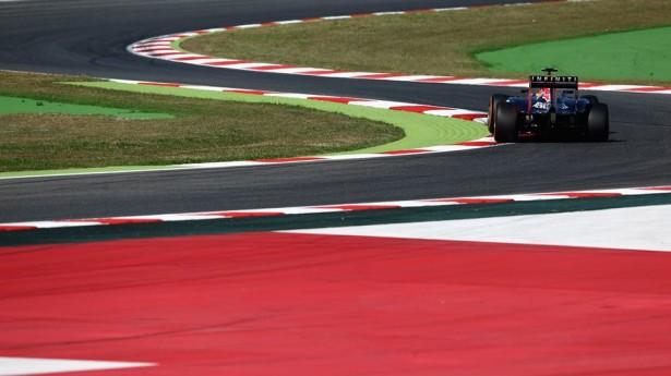 infiniti-red-bull-racing-barcelona-2015