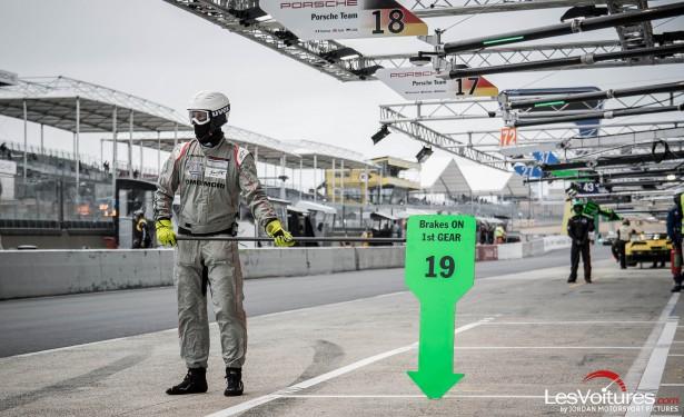 24-Heures-du-Mans-Test-day-2015-mecano-pit-lane