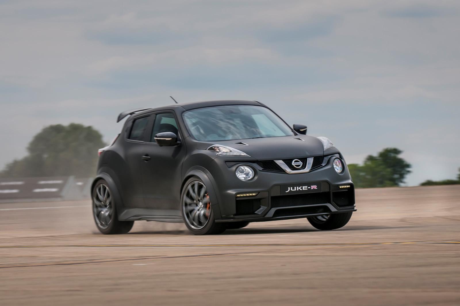 Nissan-Juke-R-2-0-7