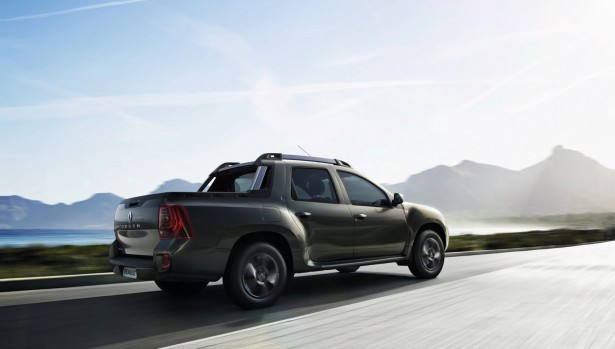 Renault-Duster-Oroch-2015