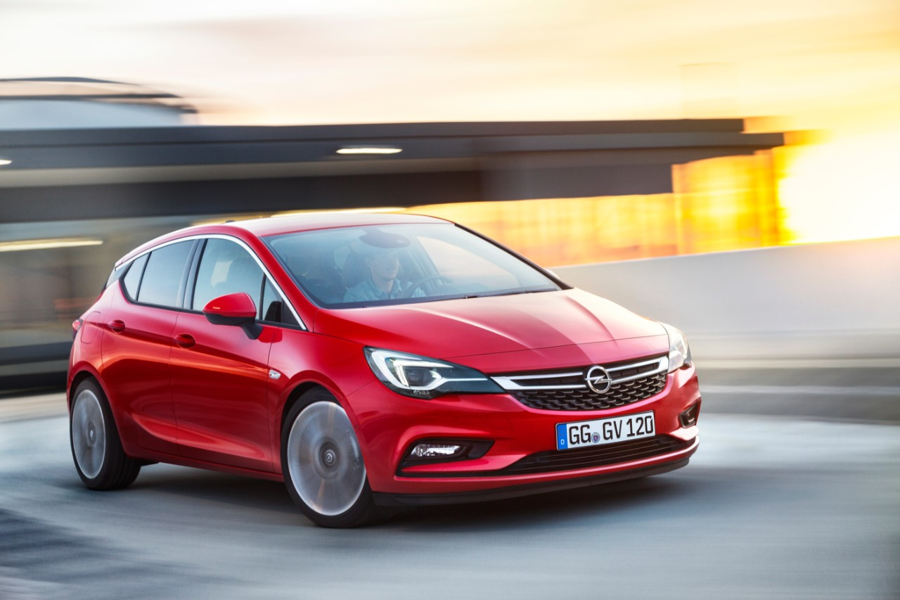 opel-astra-2015-gm