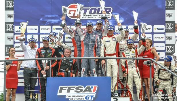 GT-Tour-2015-Le-Vigeant-podium-course-2