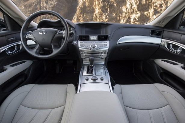 Infiniti-Q70-Premium-Select-Edition-Pebble-Beach-2015
