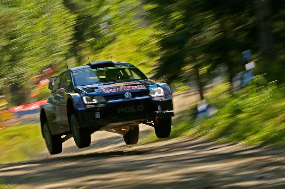 Jari-Matti-Latvala-Finland-2015-Volkswagen-Motorsport-3