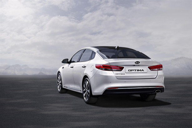Kia-Optima-francfort-2015-2