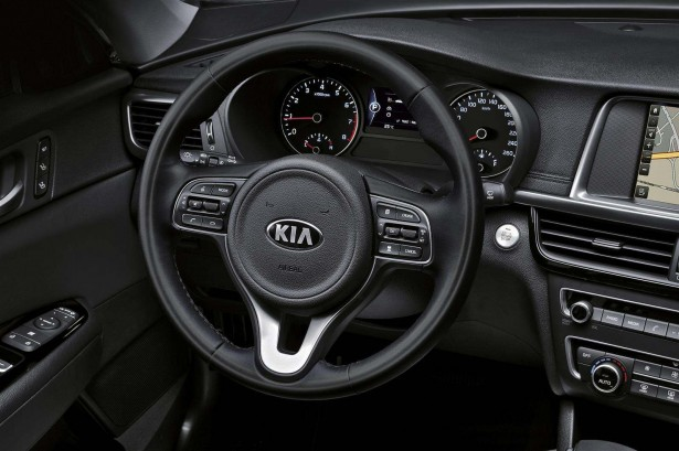 Kia-Optima-francfort-2015-interior-2