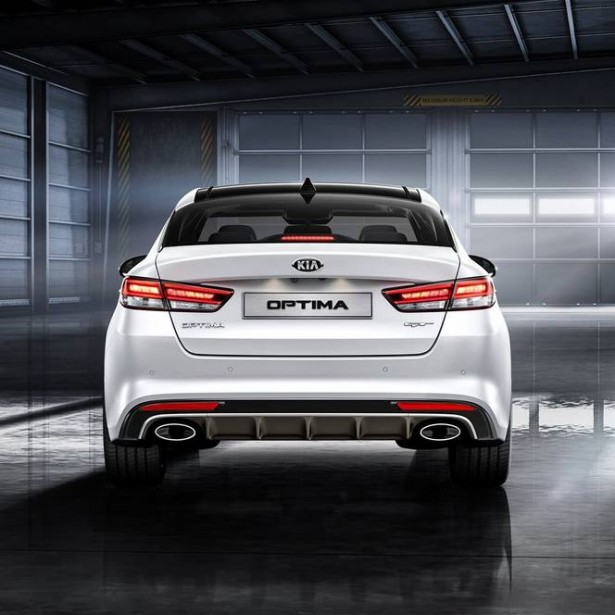 Kia-Optima-francfort-2015-rear