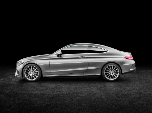Mercedes-Benz-Classe-C-Coupe-2015-17