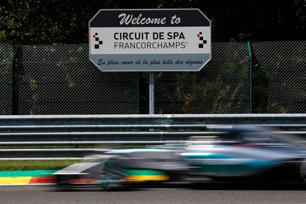 Mercedes-F1-grand-prix-belgique-2015-lewis-hamilton-2