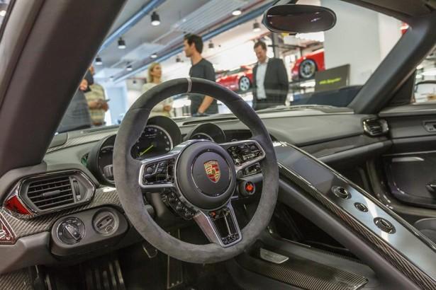 Porsche-918-Spyder-Mark-Webber-4