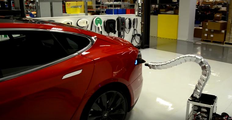 Vvideo-tesla-chargeur-robot