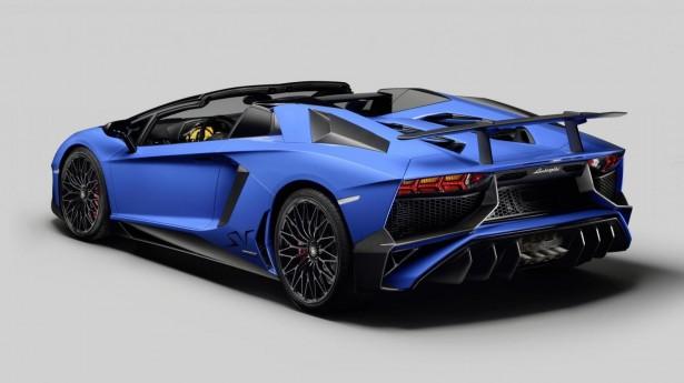 lamborghini aventador lp 750 4 superveloce roadster le monstre retire le haut les voitures. Black Bedroom Furniture Sets. Home Design Ideas