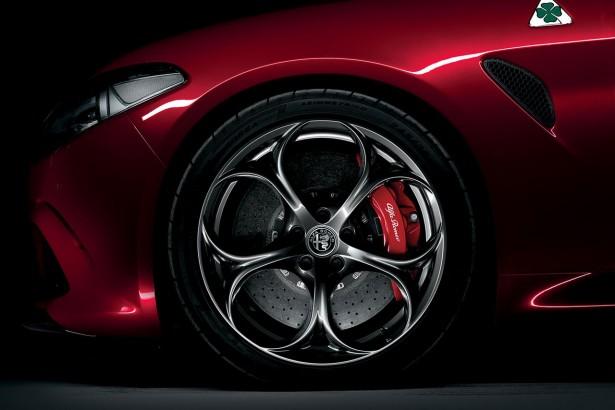 Alfa-Romeo-Giulia-quadrifoglio-francfort-2015-7