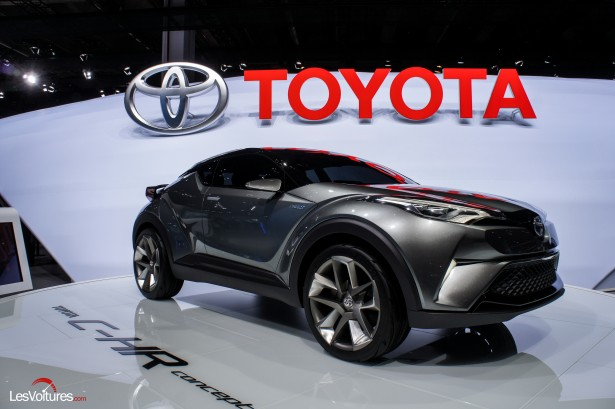 Francfort-2015-automobile-10-toyota-C-HR-Concept