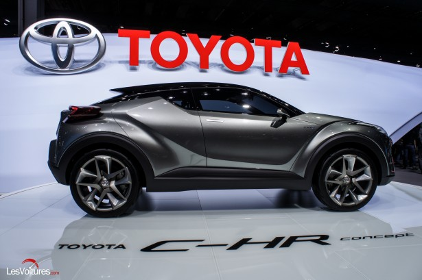 Francfort-2015-automobile-11-toyota-C-HR-Concept