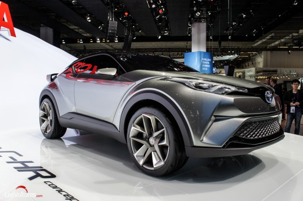 Francfort-2015-automobile-19-toyota-C-HR-Concept