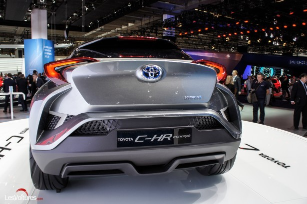 Francfort-2015-automobile-20-toyota-C-HR-Concept