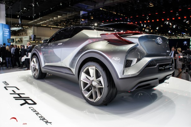 Francfort-2015-automobile-21-toyota-C-HR-Concept