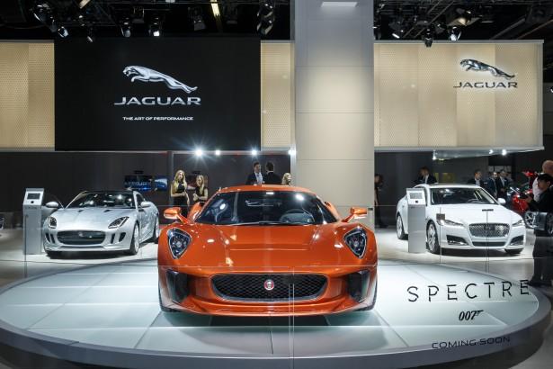 Jaguar-c-x75-spectre-james-bond-007-2