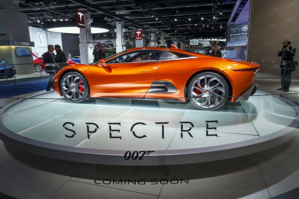 Jaguar-c-x75-spectre-james-bond-007-4