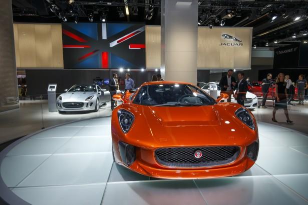 Jaguar-c-x75-spectre-james-bond-007-5