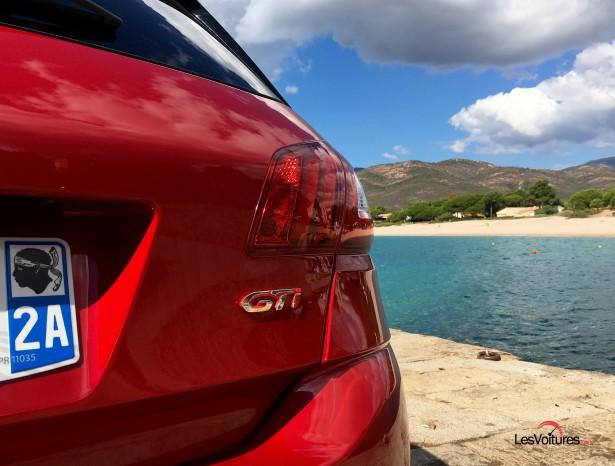 Peugeot-308-gti-by-peugeot-sport-corse-les-voitures-2