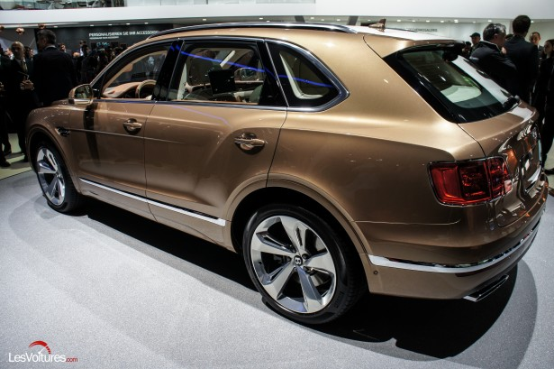 Salon-Francfort-2015-automobile-119-Bentley-Bentayga