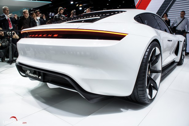 Salon-Francfort-2015-automobile-135-Mission-e-concept
