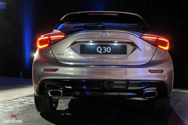 Salon-Francfort-2015-automobile-7-Infiniti-q30