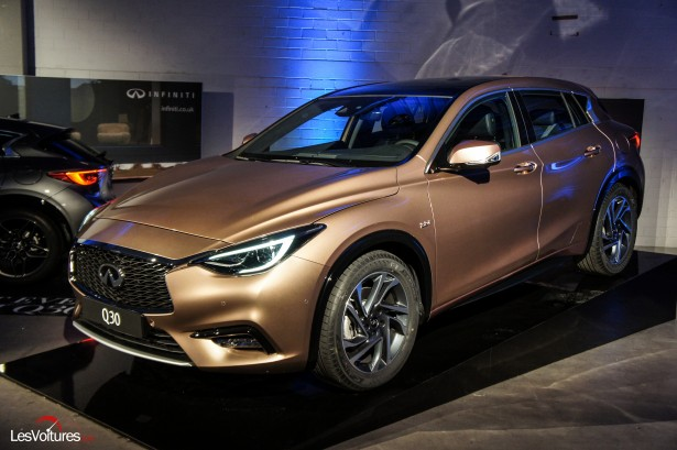 Salon-Francfort-2015-automobile-9-Infiniti-q30