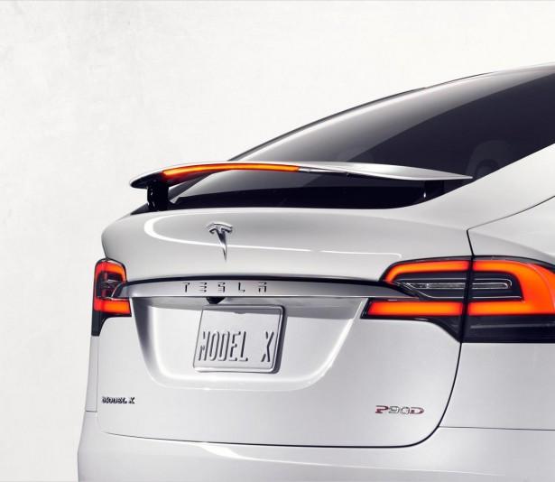 Tesla-model-x-2015-6