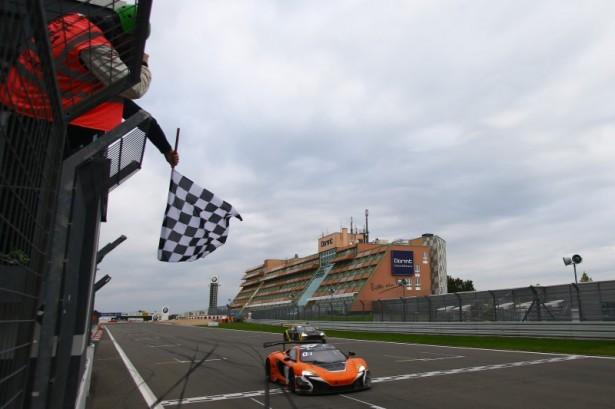 blancpain-endurance-series-nurburgring-2015-mclaren-650s-gt3-estre-2