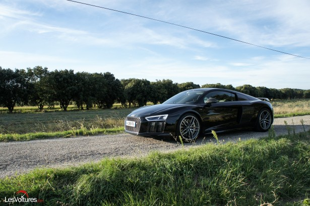 Audi R8 V10 plus : Supercar ou avion furtif ? Essai…