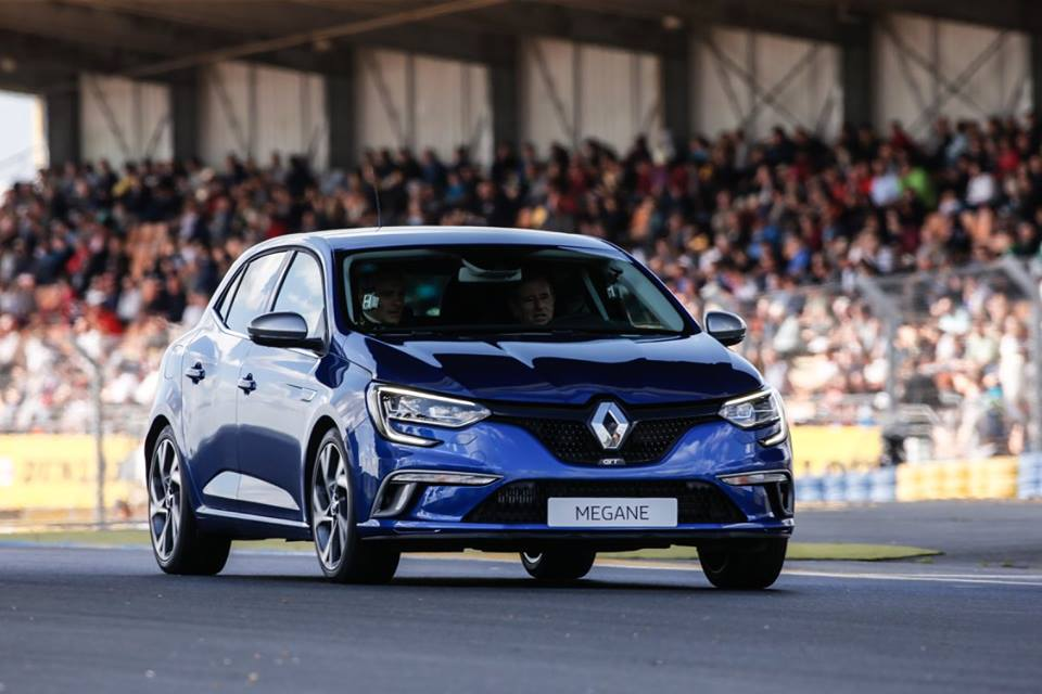 video-renault-megane-gt-circuit-bugatti-world-series-by-renault-jean-ragnotti