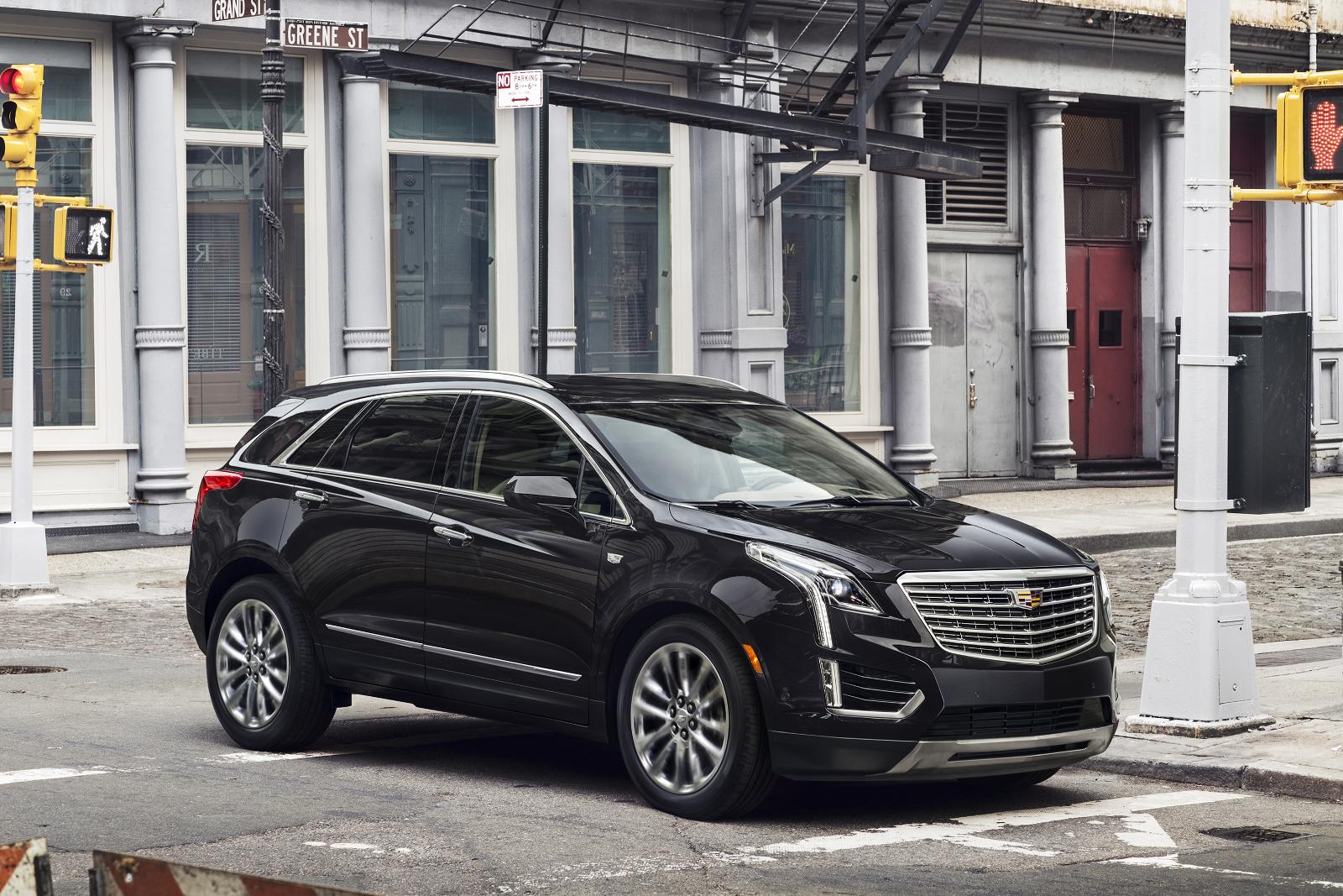 Cadillac-XT5-2017-5