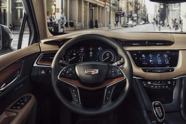 Cadillac-XT5-2017-7