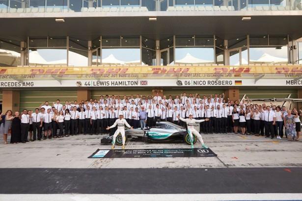 Mercedes-f1-Abu-dhabi-2015-Nico-Rosberg-Lewis-Hamilton