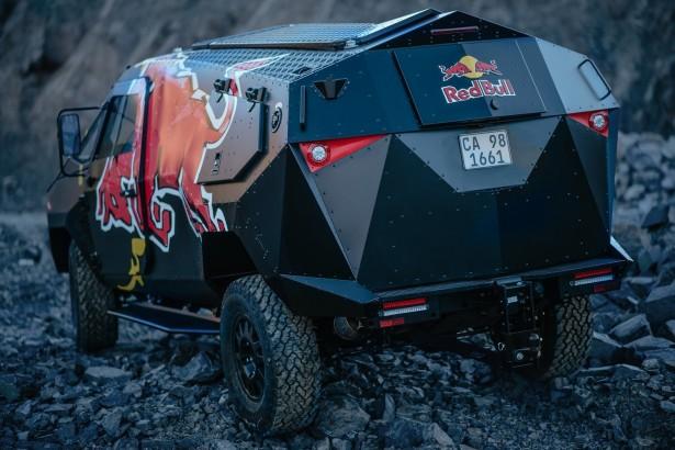 Red-Bull-SUV-3