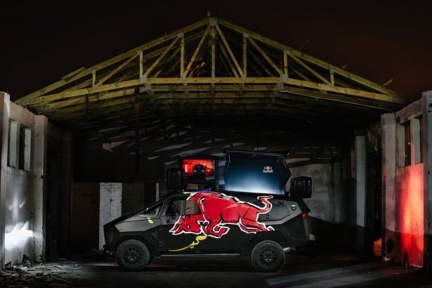 Red-Bull-SUV-6