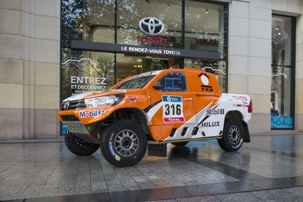 Toyota-Hilux-Dakar-2016-2