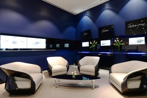 bugatti chiron les nouveaux showrooms sont pr ts accueillir l hypercar les voitures. Black Bedroom Furniture Sets. Home Design Ideas