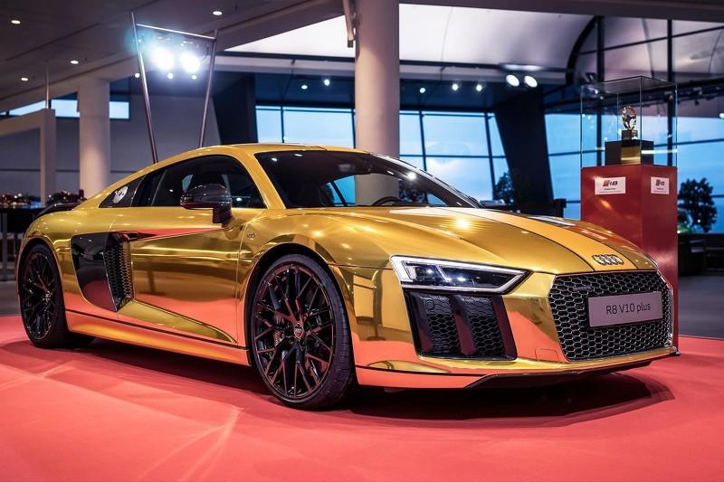 Audi-R8-v10-plus-gold