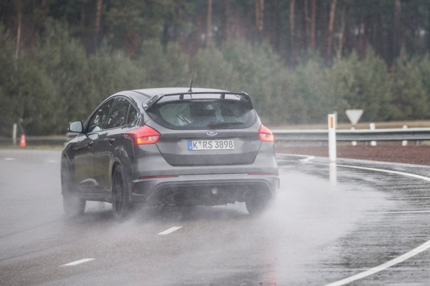 Ford-Focus-RS-6