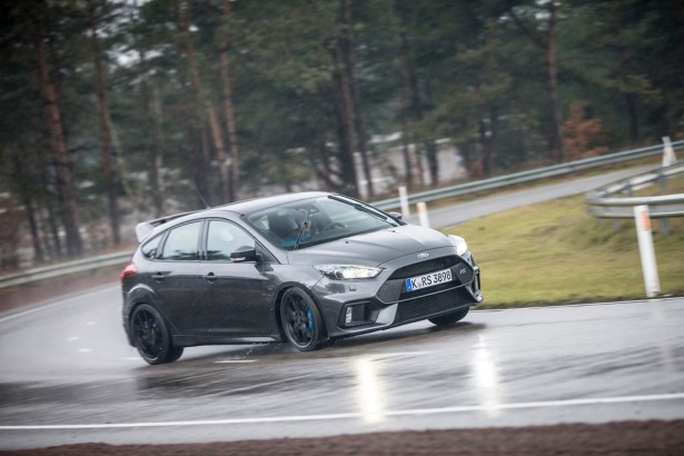 Ford-Focus-RS-8